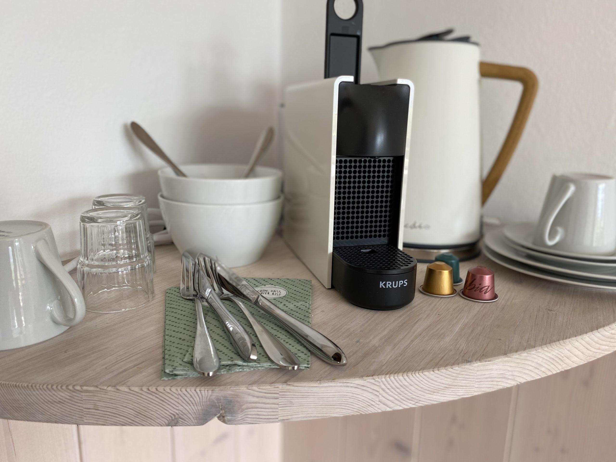 Zimmer mit Seeblick und Küchenausstattung